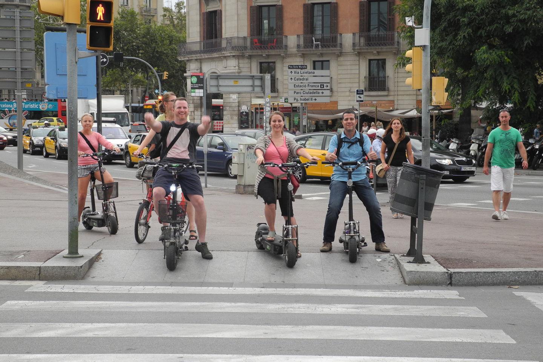 Visite de Barcelone la Nuit en Scooter Electrique